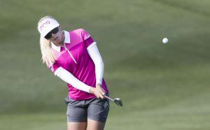 golf-women-tip-shot